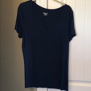 Size Large Navy V-neck Tee